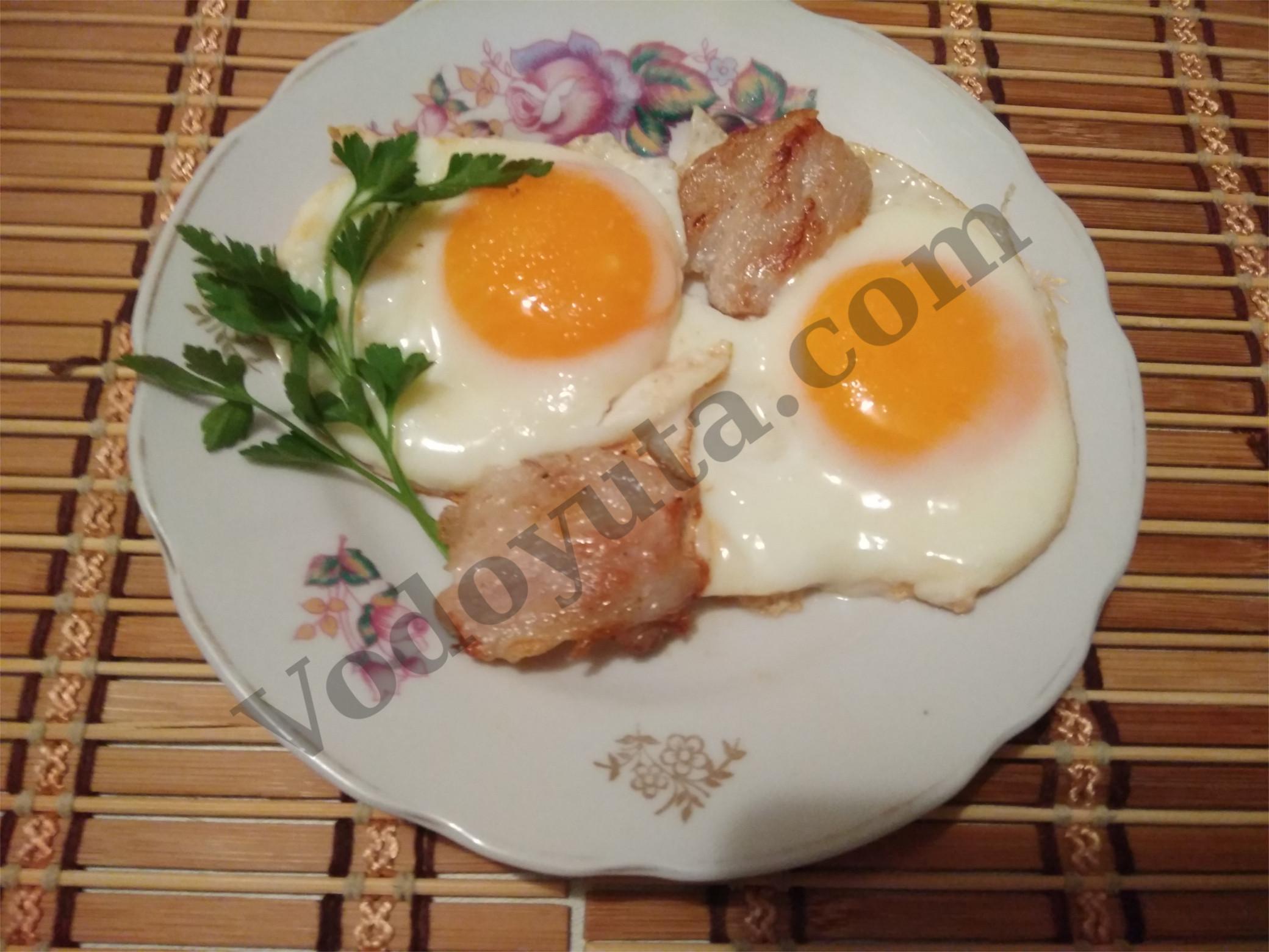 Яичница с беконом