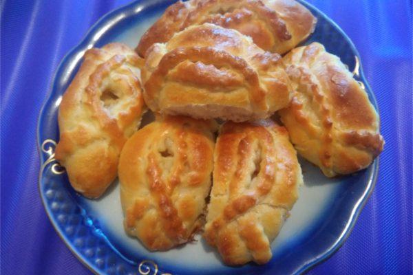 Красивые пирожки. Расстегаи с яблоками