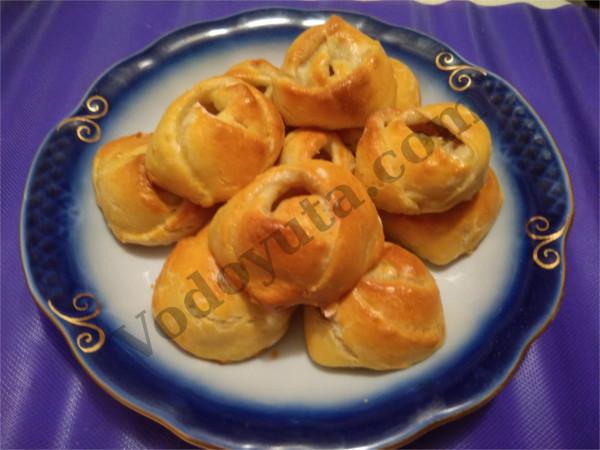 Красивые пирожки. «Банановые» розы :)