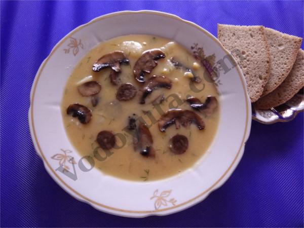 Суп-пюре гороховый с шампиньонами