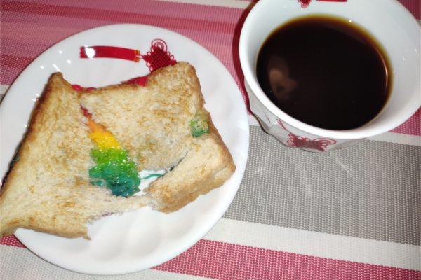 Сэндвич с радугой :)