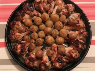 Куриные плечики с молодой картошкой